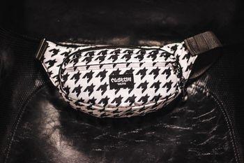 Сумка на пояс Custom Wear Triada Goose Black/White (383)