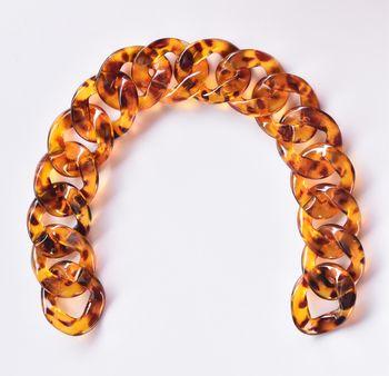 Lanț acrilic plat, 35 cm / chihlimbar