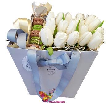 купить Композиция  с тюльпанами и Макаронс в Кишинёве
