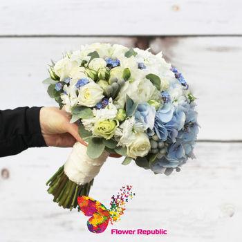 купить Букет невесты в небесно голубой цветовой гамме в Кишинёве