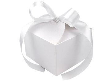 Cutie cadou cu panglică / alb