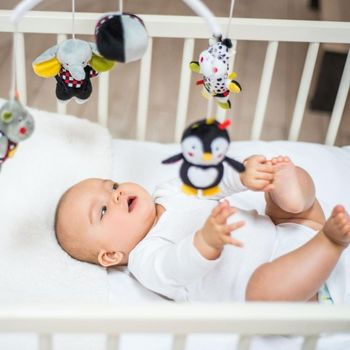купить BabyOno C-More карусель для кроватки с мелодией Dream Team в Кишинёве