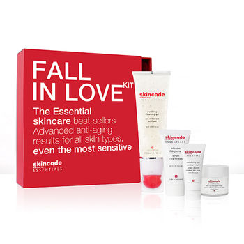 cumpără Skincode Essentials Set Fall in Love (Gel de curățare,Cremă pentru față,Ser,Cremă pentu ochi) în Chișinău