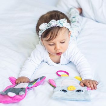 купить BabyOno Игрушка обнимашка Flat Unicorn Sweetie в Кишинёве