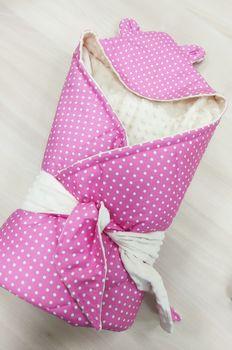 Конвертик с уголком 90*90 см розовый горошек
