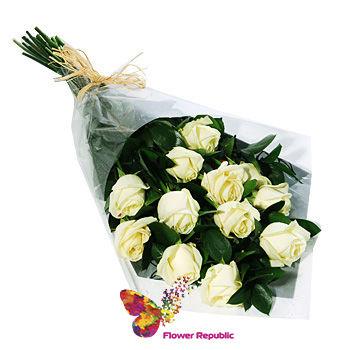 купить Букет из 11 Белых Голландских роз 80-90см в Кишинёве