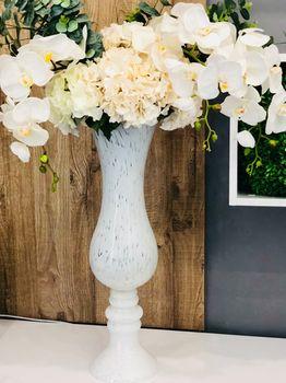 купить Ваза стеклянная белая  с текстурой  - 80 см; D-26cм в Кишинёве