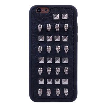 Чехол в Заклепках для iPhone 6 черепа