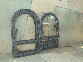 Дверца чугунная co стеклом правая FPM1R