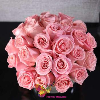 """купить Розы """"Ecuador """" в вазе """"Сфера"""" в Кишинёве"""