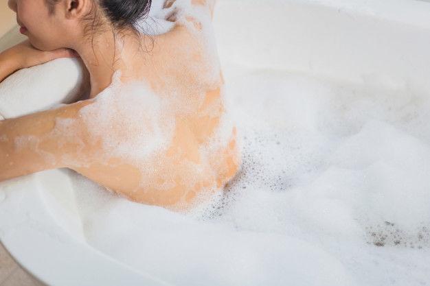 Gel de duş şi spumă de baie