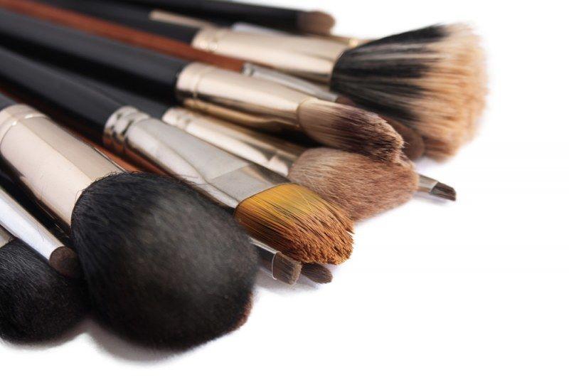 Принадлежности для макияжа