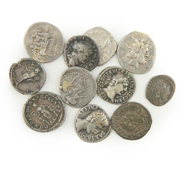 Numismatica si filatelia