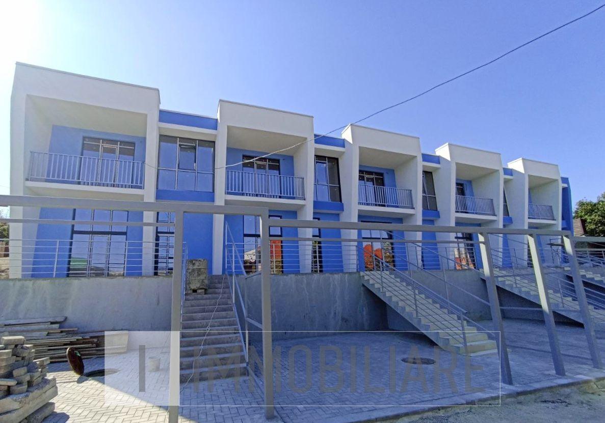 Townhouse cu 2 niveluri, sect. Durlești, str-la Tudor Vladimirescu.