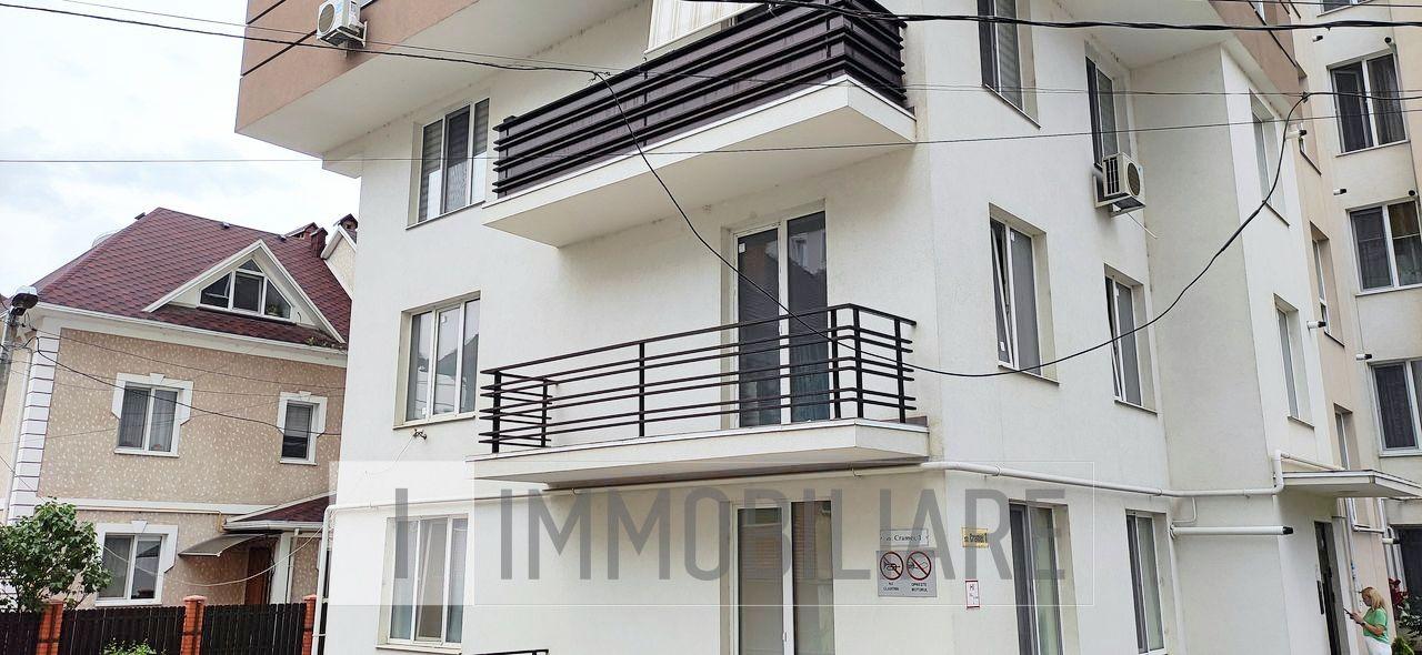 Apartament cu 2 camere+living, sect. Centru, str. Cramei.
