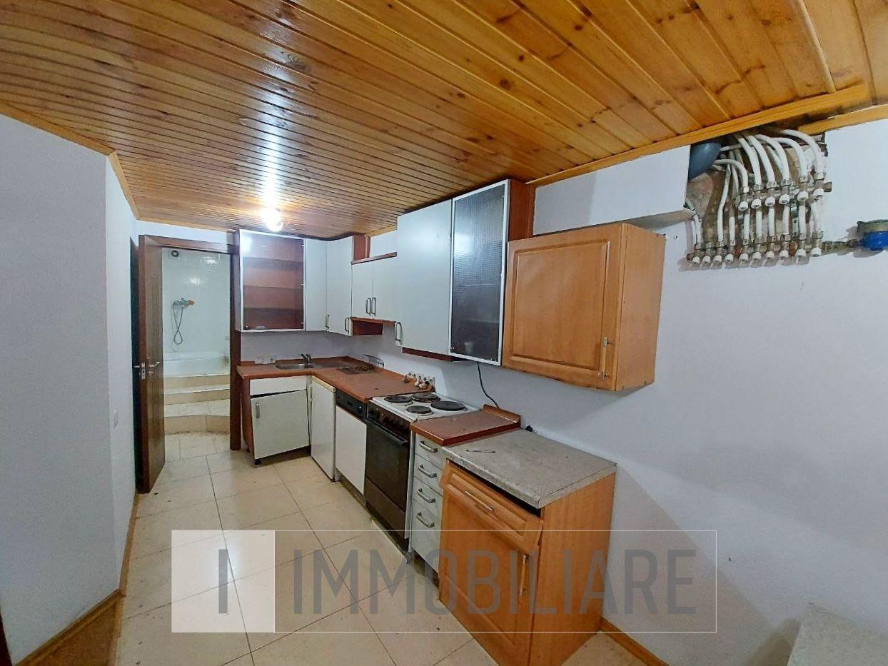 Apartament cu 2 niveluri, sect. Botanica, str. Sarmizegetusa.