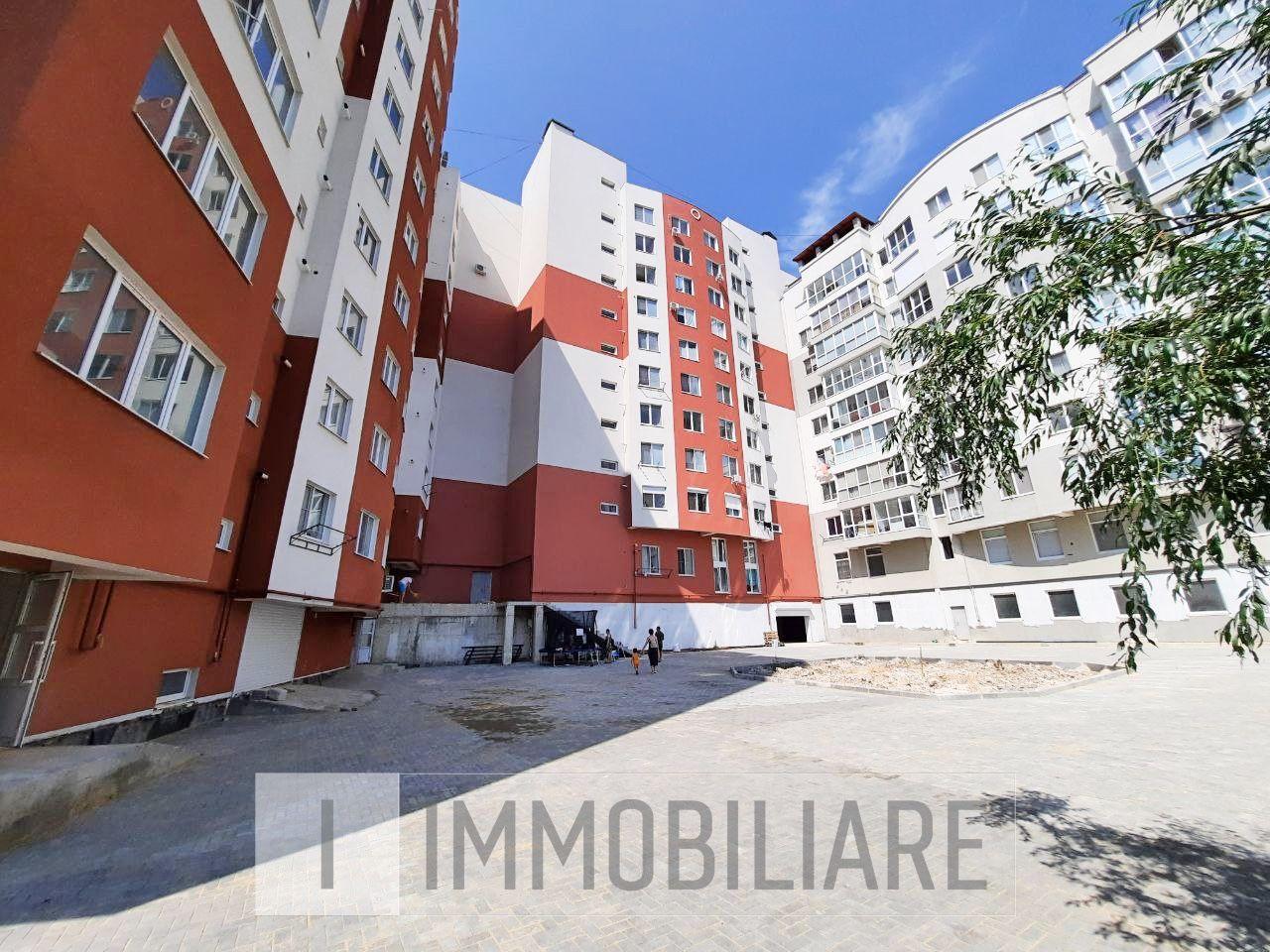 Apartament cu 2 camere+living, sect. Durlești, str-la Codrilor.