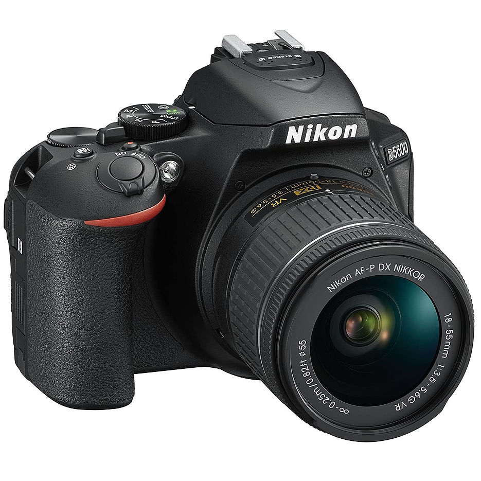 Nikon D5600 kit AF-P 18-55VR black, 24.2Mpx CMOS 23,2x15,4mm; ISO up to25600; EXPEED 4; Full HD(60p); GPS;  No Optical low Pass Filter;  Bluetooth 4.1 with SnapBridge; Wi-Fi; 2xAntiDust System; LiveView; VBA500K001