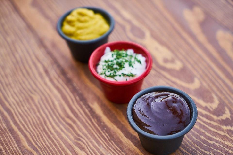 Maioneză şi Ketchup