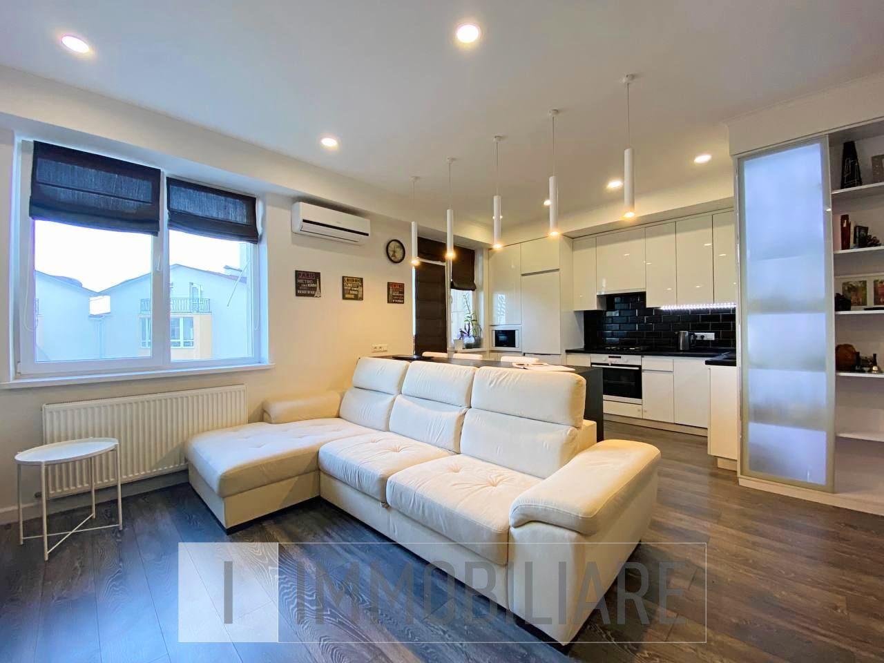 Apartament cu 2 camere+living, sect. Centru, str. Nicolae Testemițanu.