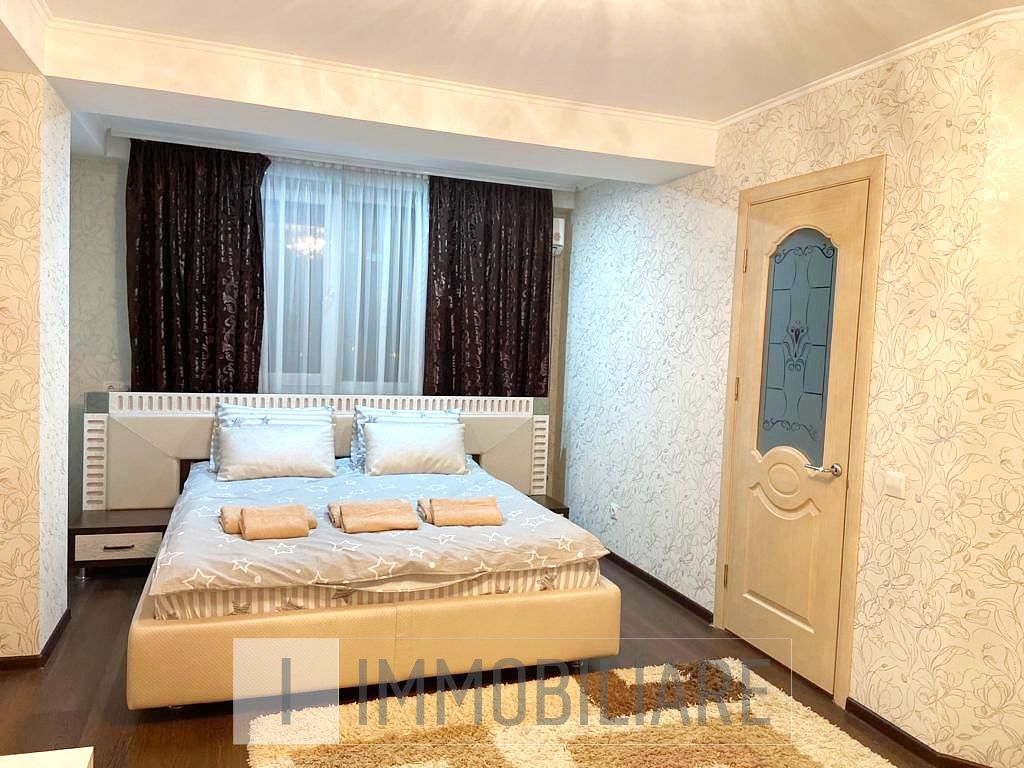 Apartament cu 1 cameră+living, sect. Poșta Veche, str. Iazului.