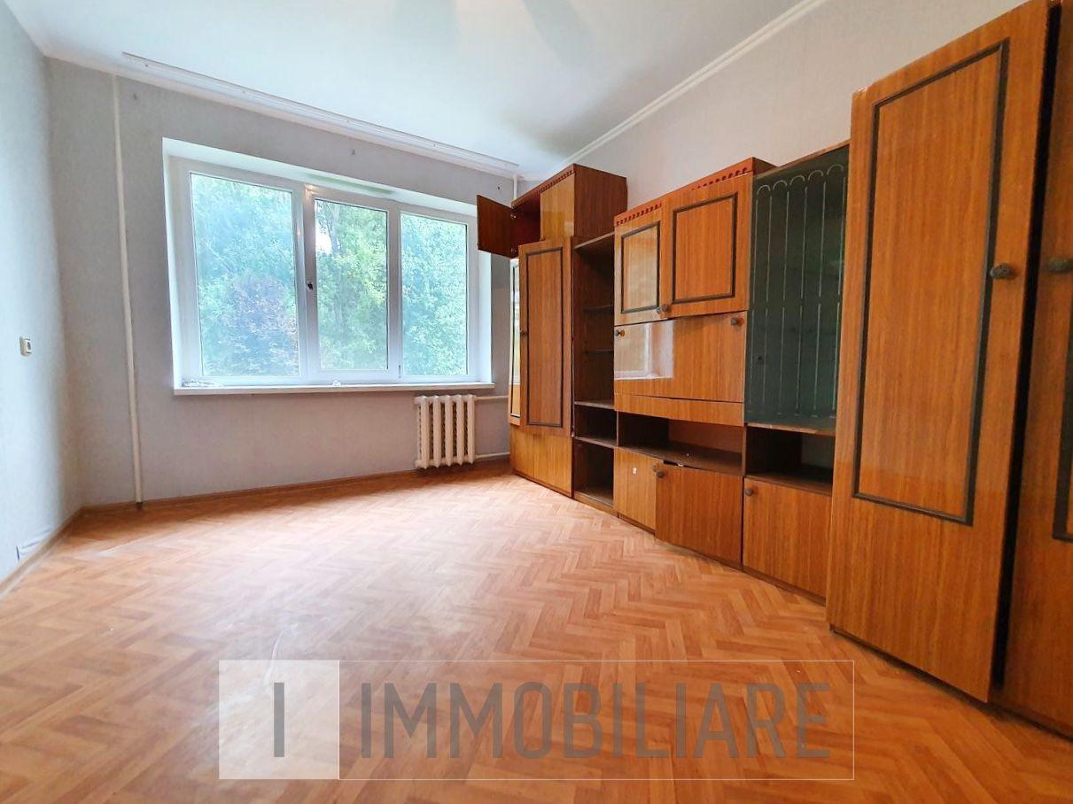 Apartament cu 3 camere, sect. Buiucani, str. Onisifor Ghibu.