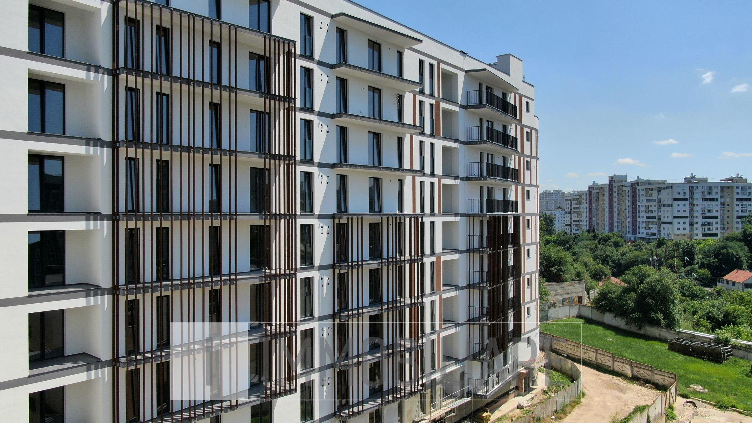 Apartament cu 2 camere+living, sect. Centru, str. Pan Halippa.