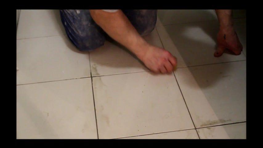 Как очистить швы между плиткой в домашних  83