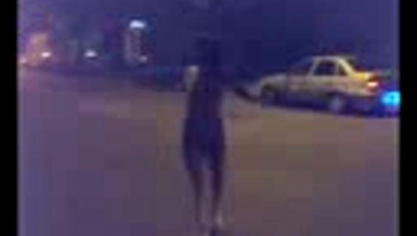 Девушки ходят голые видео белье апартаментах
