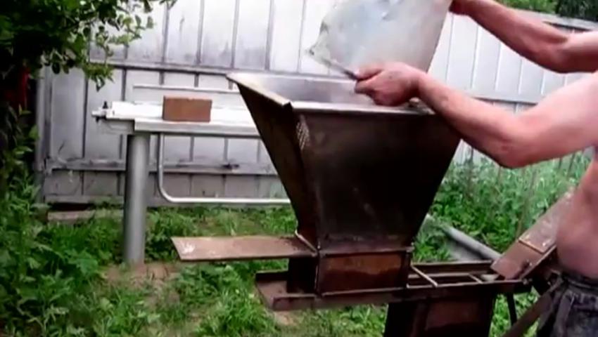 Изготовление кирпичей своими руками фото