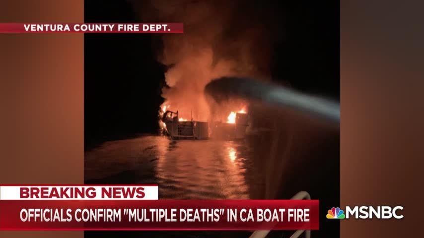 Капитан лодки в Калифорнии сбежал, бросив на горящем судне 34 человека