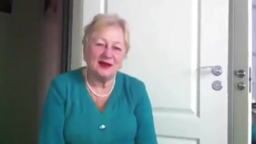 бабушки смачно отсасывают