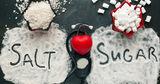 Диетолог объяснила, когда соль и сахар становятся опасными для организма