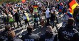 В Берлине почти 30 полицейских пострадали на антиковидных протестов