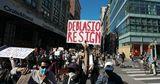 Протестующие в Нью-Йорке потребовали сократить бюджет полиции на $1 млрд