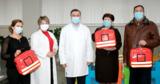 Медсестры семейных врачей в двух районах оснащены набором для младенцев