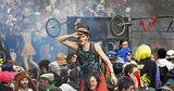 Карнавал в Марселе закончился разгоном со слезоточивым газом