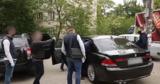 Сотрудника полиции подозревают в получении крупной взятки