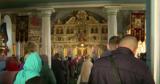 Прихожане продолжают находиться в храмах без защитных масок
