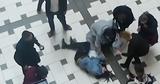 Парень, упавший с эскалатора в торговом центре, все еще находится в реанимации