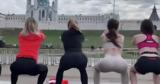 В Казани девушки устроили разминку на фоне мечети и разозлили верующих