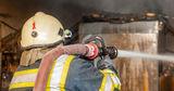 В Каушанском районе пожарные вынесли из охваченного огнем дома 2-х детей