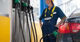 В мире нефть дешевеет, а цены на топливо в Молдове продолжают расти
