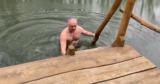 Додон принял участие в крещенских купаниях