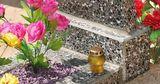 Специалисты рекомендуют отказаться от пластиковых украшений для кладбищ
