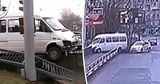 Момент ДТП с маршруткой, которая едва не рухнула с моста, попал на видео