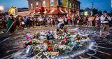Место гибели Джорджа Флойда стало объектом религиозного паломничества