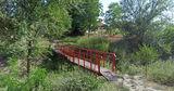 В Казаклии восстановили полузаброшенный мост через реку