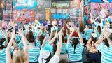 """Guardian убрала слово """"Россия"""" из подписи к фото с крымского фестиваля"""