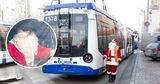 По столице разъезжает Дед Мороз на троллейбусе